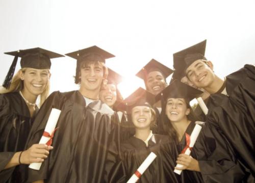 外联出国:北美留学生怎么拿绿卡?从了解英美工签开始
